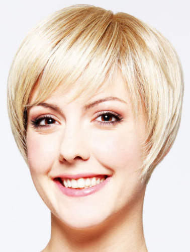 """Blonde 8"""" High Quality Layered Short Wigs"""