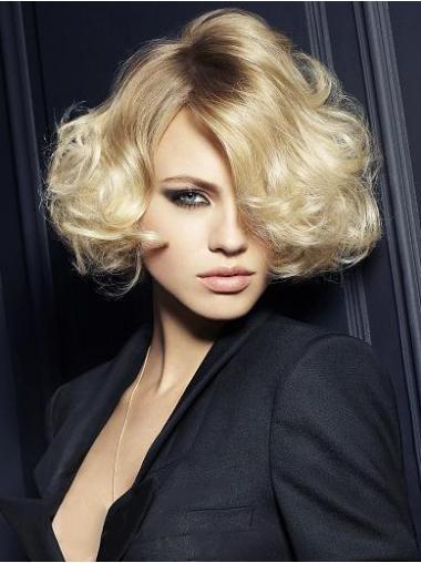 Discount Blonde Wavy Synthetic Short Wigs